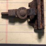 Eski Bir Evin Bahçesinde Metal Tespiti Yapmak - 5